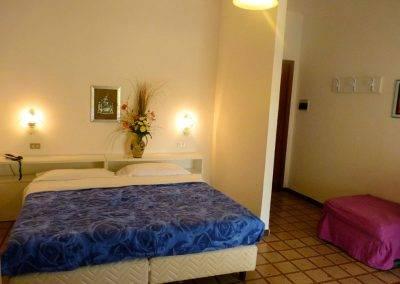 Residence Perla Bianca Alloggi Mono Clima letto3